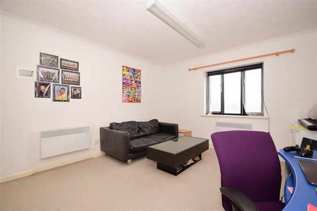 Thumbnail Flat for sale in Copperfields, Laindon, Basildon, Essex