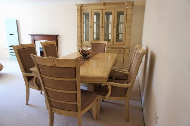 Dining Area of Carmelite Drive, Reading RG30