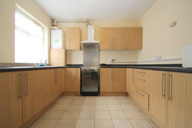 Thumbnail Flat to rent in Ardleigh Green Road, Hornchurch