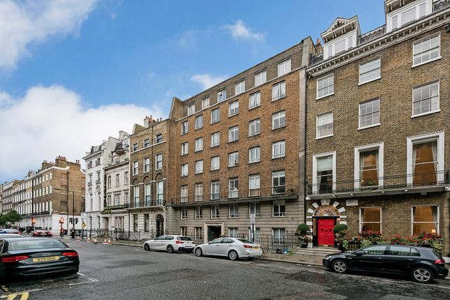 2 bed flat to rent in Harley Street, London