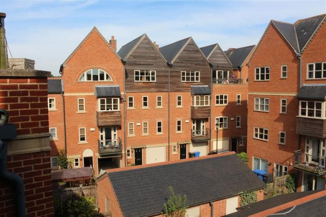 Thumbnail Town house to rent in Fishergate, Norwich