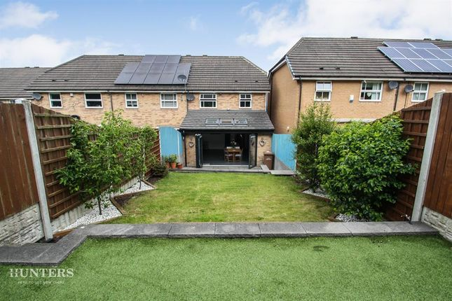 Thumbnail Town house to rent in Hay Croft, Bradford