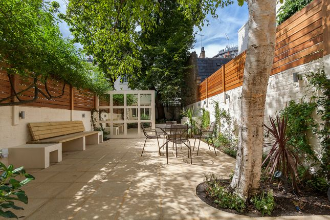 Thumbnail Property to rent in Wilton Place, London