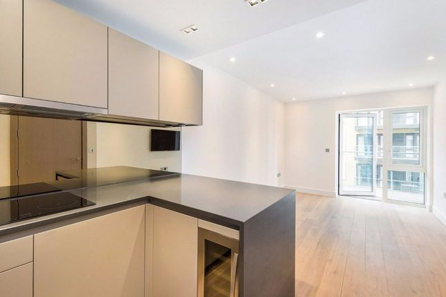 Thumbnail Flat for sale in Faulkner House, Fulham Reach, London