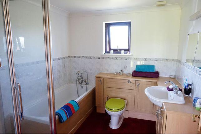 Family Bathroom of Farthings Paddock, Alford BA7