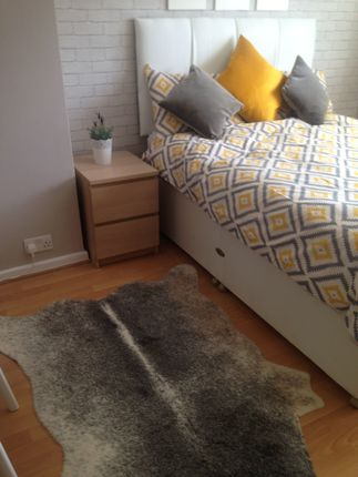 Thumbnail Room to rent in Main Road, Sutton At Hone, Dartford