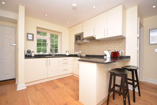 2 bed flat to rent in Great Austins House, Tilford Road, Farnham GU9