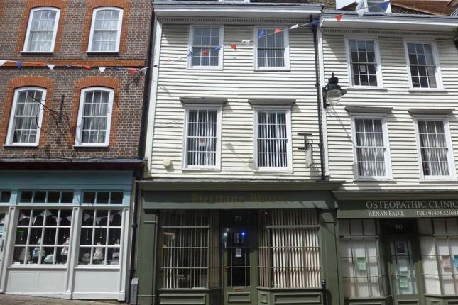 Retail premises to let in High Street, Gravesend
