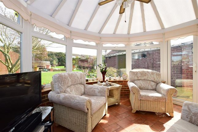 Thumbnail Semi-detached bungalow for sale in Fairview Road, Istead Rise, Kent