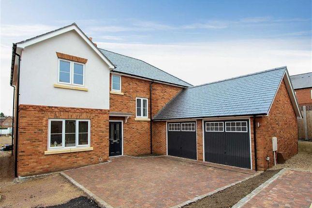 Thumbnail Detached house for sale in Leighton Road, Stoke Hammond, Milton Keynes