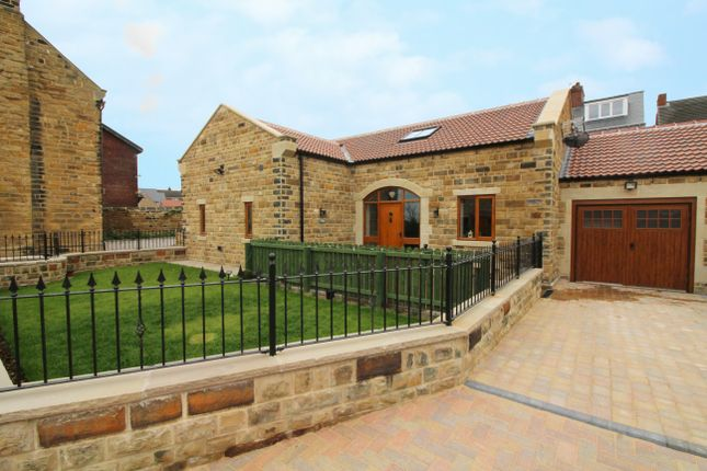 3 bed detached house for sale in Jacobs Well Court, Ryhill, Wakefield