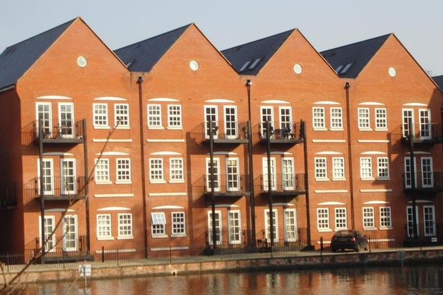 Thumbnail Property to rent in Waterside Lane, Colchester