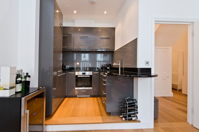 2 bed flat for sale in Lexham Gardens, London