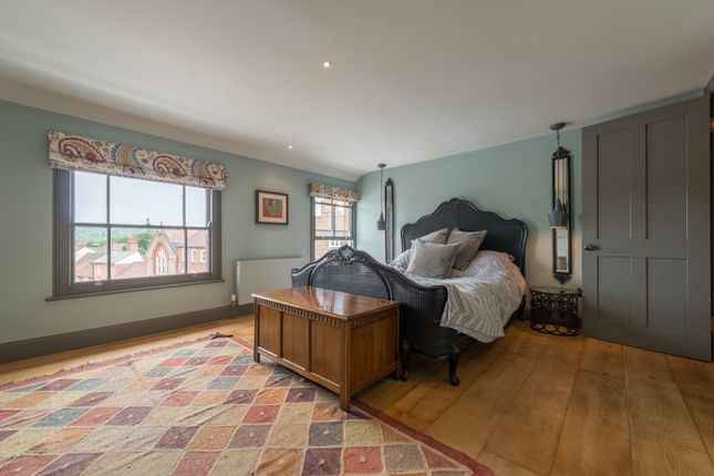 Thumbnail Terraced house to rent in Market Place, Henley On Thames