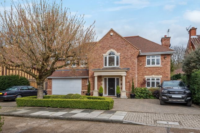 Thumbnail Detached house for sale in Heathley End, Chislehurst