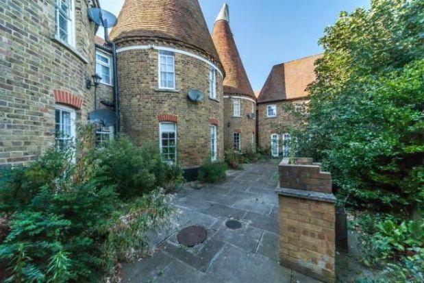 Flat to rent in Stratford Lane, Gillingham