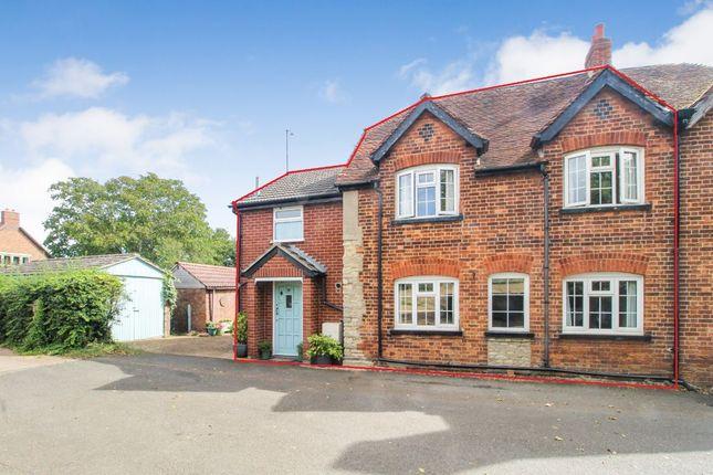 Thumbnail Cottage for sale in Duck End Lane, Biddenham, Bedford