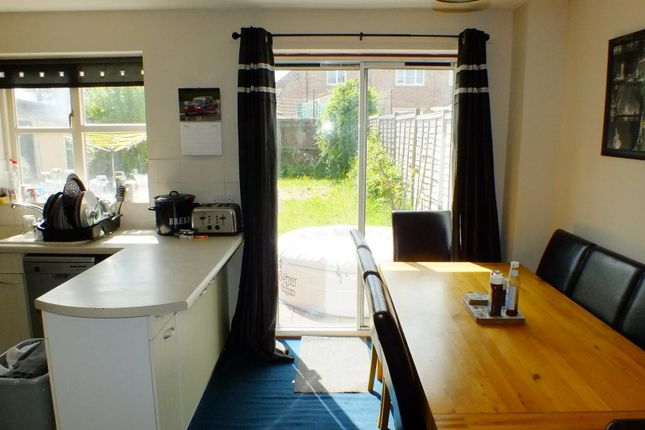 Thumbnail Property to rent in St. Hughs Rise, Didcot