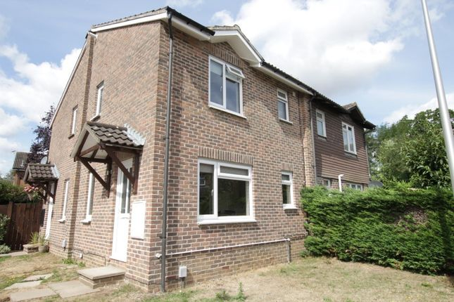 1 bed terraced house to rent in Camden Place, Calcot, Reading RG31