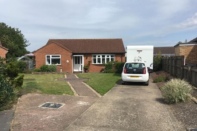 Detached bungalow for sale in Laing Close, Bardney, Lincolnshire.