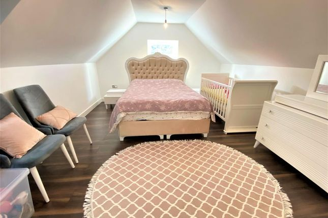 2 bed maisonette for sale in Hickory Close, London N9