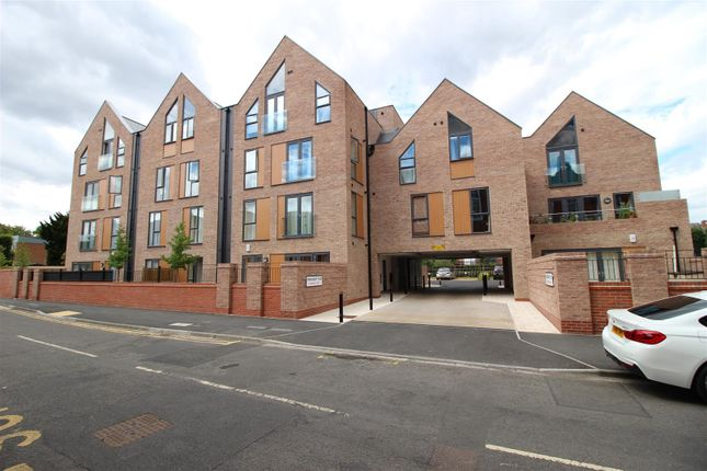 Thumbnail Flat for sale in Tewkesbury Place, Beeston, Nottingham