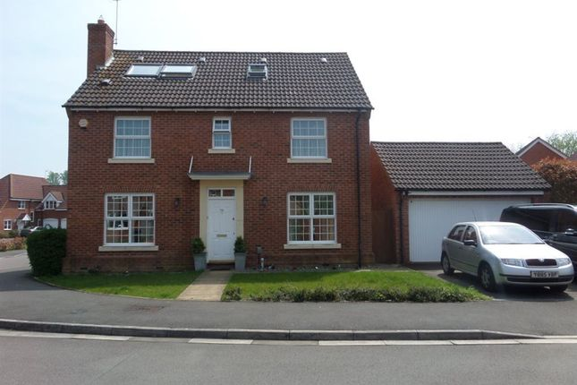 Thumbnail Property to rent in Wynwards Road, Swindon