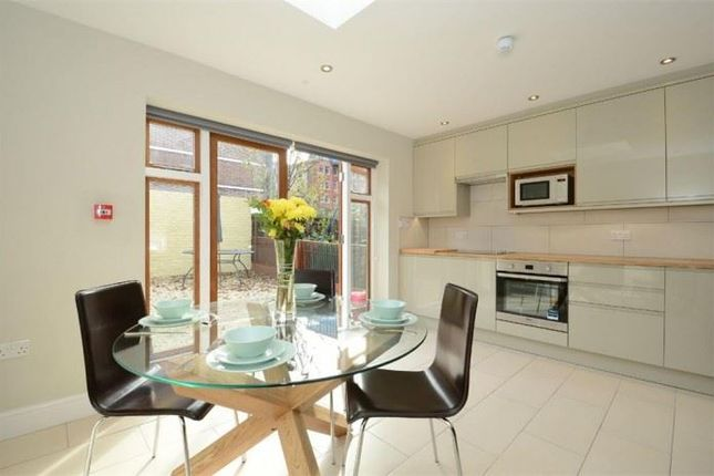 Thumbnail Town house to rent in Rothsay Street, London
