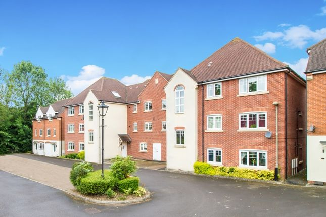 Thumbnail Flat to rent in Staniland Court, Abingdon