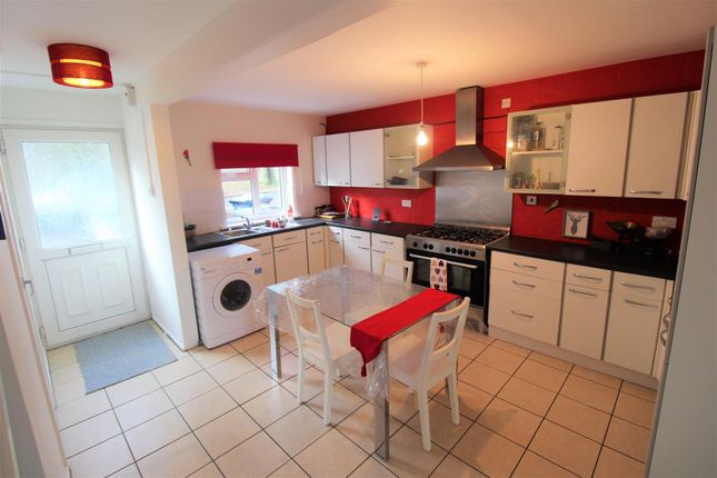 Thumbnail Town house to rent in Falconers Road, Luton