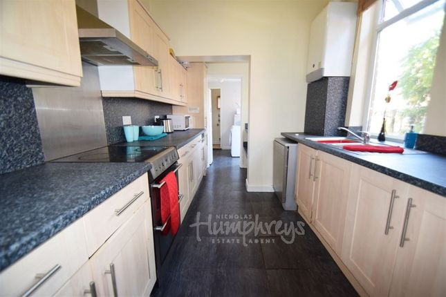 Thumbnail Shared accommodation to rent in Lansdowne Road, Hartshill, Stoke-On-Trent