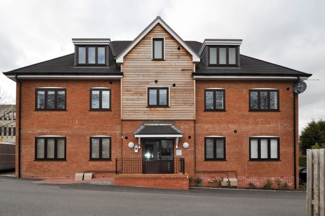 Thumbnail Flat for sale in Berrington Close, Ipsley, Redditch