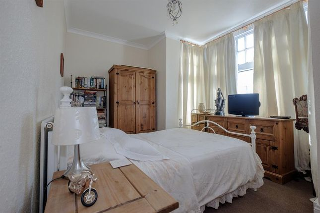 Bedroom of 3 Stoneleigh, Temple Street, Llandrindod Wells LD1