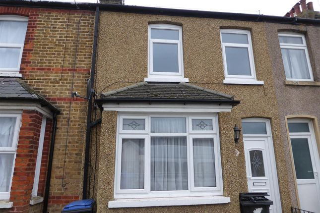 Thumbnail Property to rent in Gordon Road, Westwood, Margate