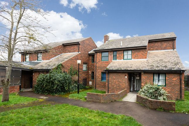 Thumbnail Flat to rent in Shernbroke Road, Waltham Abbey