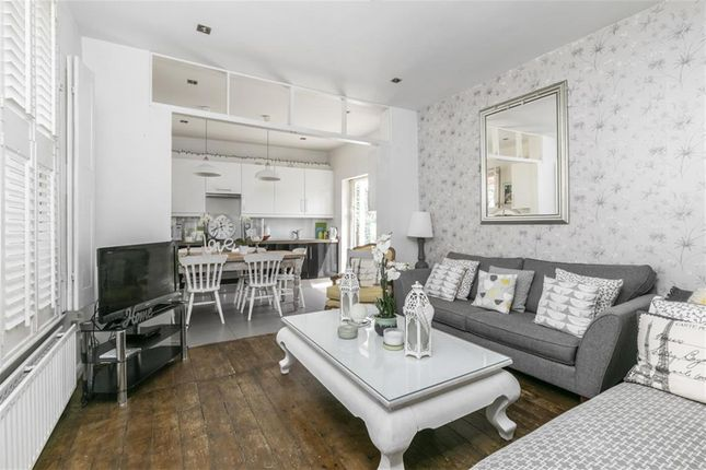 Thumbnail Terraced house to rent in Marton Road, London