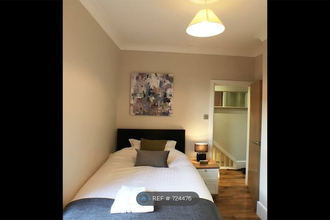 Bedroom 1 of Burns St, Nottingham NG7