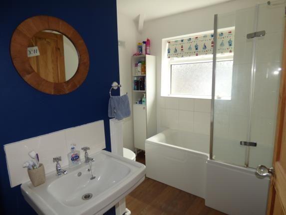 Bathroom of Henley Avenue, Litherland, Liverpool, Merseyside L21
