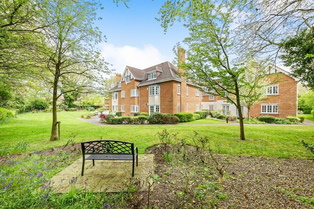 Thumbnail Flat to rent in Courtney Place, Binfield