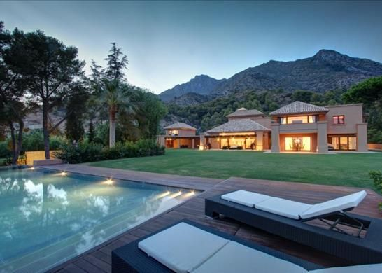 Thumbnail Town house for sale in Marbella, Malaga, Spain