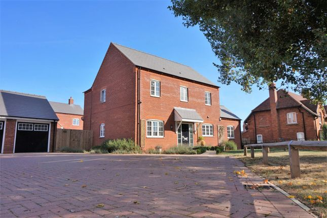 Thumbnail Detached house for sale in Siddington Drive, Aylesbury