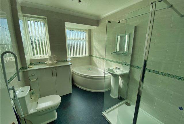 Bathroom of Upper Wortley Road, Scholes, Rotherham S61