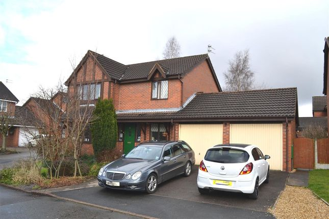 Thumbnail Detached house for sale in Evesham Close, Pennington, Leigh