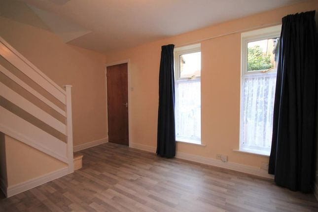 1 bed semi-detached house to rent in Hinton Avenue, York
