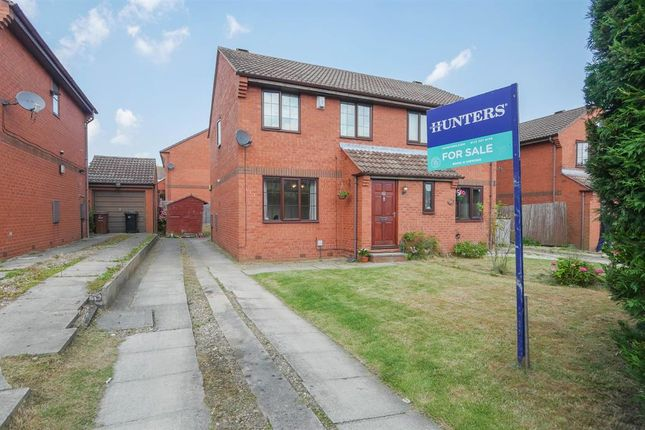 3 bed semi-detached house for sale in Dawsons Corner, Pudsey LS28