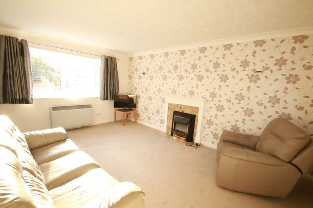 Thumbnail Flat to rent in Whytecliffe Road South, Purley