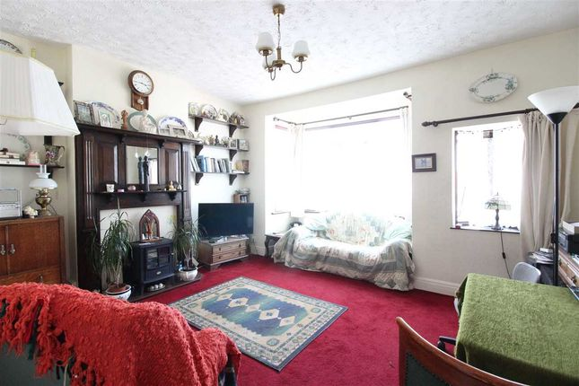 Thumbnail Flat for sale in Canonsleigh Crescent, Leigh-On-Sea