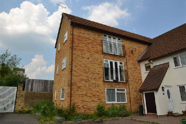 Thumbnail Flat to rent in Black Swan Court, Priory Street, Ware