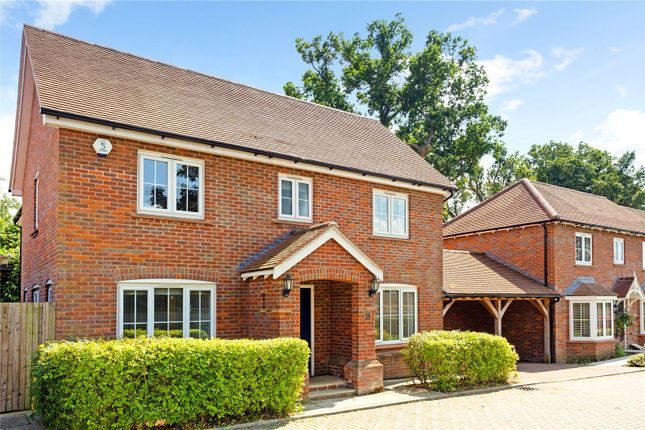 3 bed link-detached house for sale in Abrahams Close, Amersham, Buckinghamshire HP7