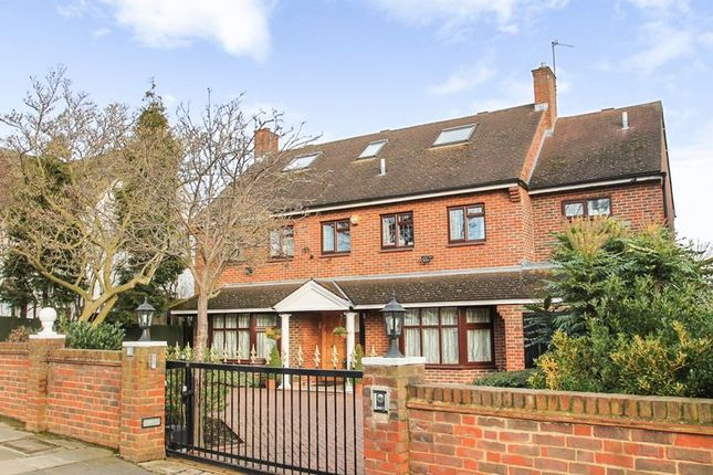 Thumbnail Detached house to rent in Park View Road, Ealing, London